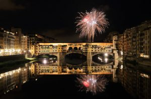 Fuochi d'artificio di San Giovanni - Fireworks on Ponte Vecchio (Old Bridge)